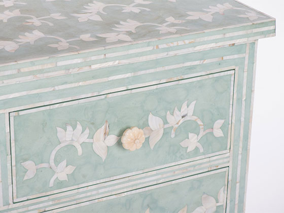 Melea Markell Mint Chest side detail
